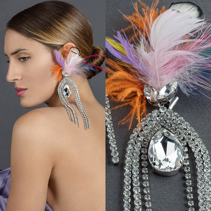 Earrings with colourful feathers